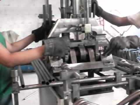 Sam 0563 Maquinas Para Fabricar Pupitres Y Sillas Youtube