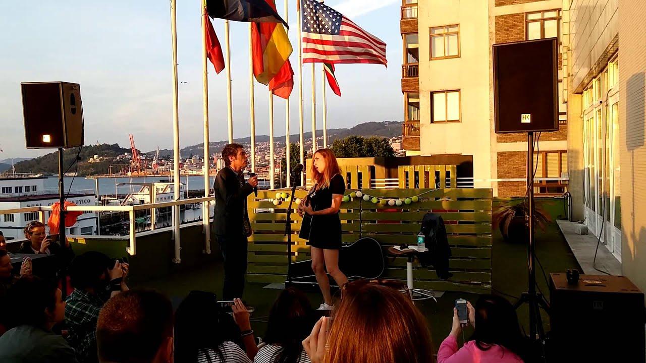Zahara e Ivan Ferreiro - Diecinueve (Maga) Live the roof, Vigo. 02/07/15.