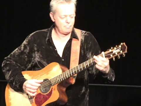 Tommy Emmanuel  (awesome) Amazing Grace (close up)
