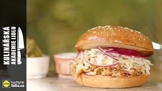 Trhané vepřové maso v burgerové housce - Roman Paulus - Kulinářská Akademie Lidlu