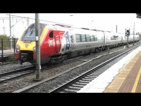 Trains at: Rugby, WCML, 19/11/15
