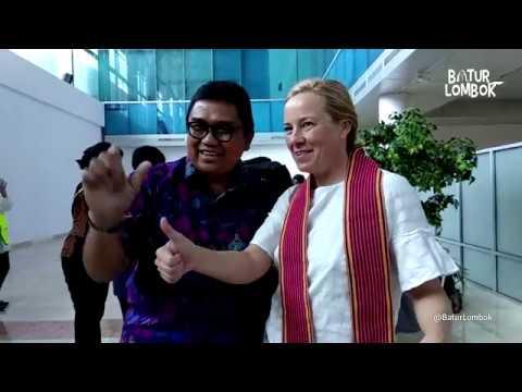 Penyambutan wisatawan  Penerbangan Perdana  International Flight 2018