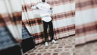 Whizalmasi-Bend down pause Dance