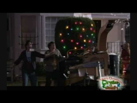 Blowmolds in Merry Christmas, Drake and Josh (TV Movie, 2008)