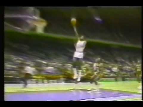 """the best attitude 5e859 950d0 The Top 5 Dunks that make you say, """"Which one is the Statue ..."""