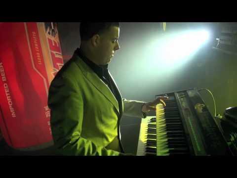 Alacranes Musical- Intro, Sin Tu Amor