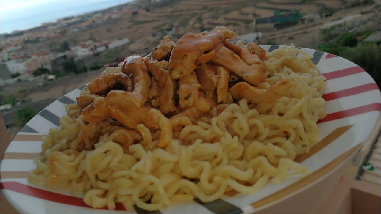 اندومي بذوق الدجاج شكر خاص للفنان الكوميدي بوزيان تحدي تحت شعار اندومي الجوع وايدومي Youtube