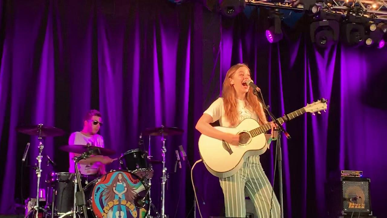Jade Bird - I Get No Joy - LIVE - Glastonbury 2019