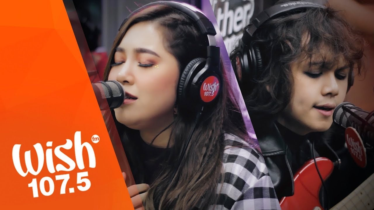 Moira and IV of Spades perform