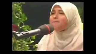 Perempuan Suara Emas ( SUMEYYE EDDEB ) - Surah Al-Fajr - Akademi Al-Jazari Mp3