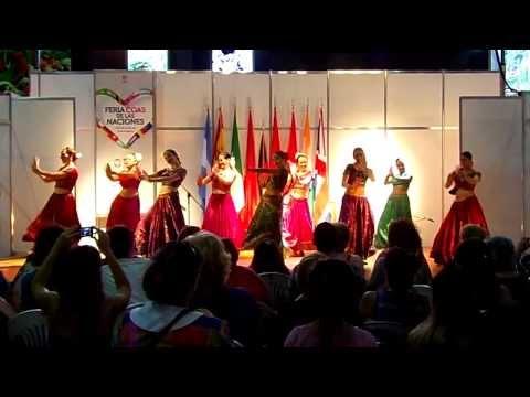 Pili Rubí y Compañía Bollywood Dance