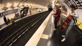 NAMASTE - Woman (3) - LIVE @ Paris Métro