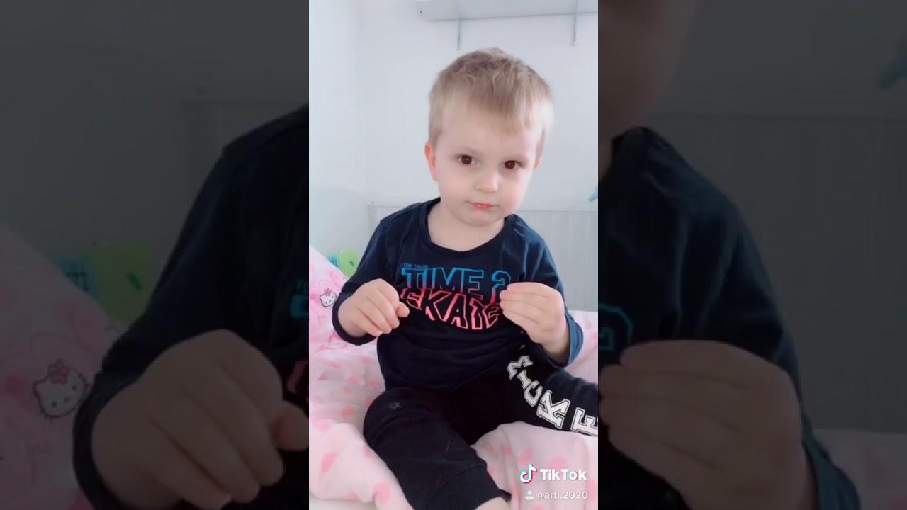 Tiktok baby Dance Geschwisterliebe - YouTube