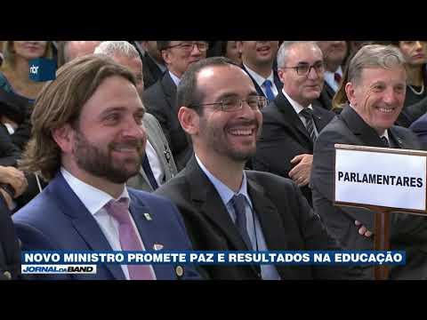 Novo ministro da Educação promete paz e resultados