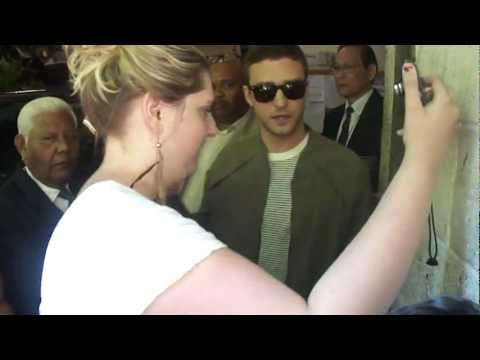 Justin Timberlake lovely with his fans in New York City