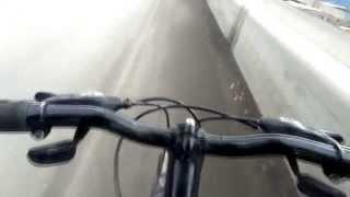 видеокамера для велосипеда собственными руками(Сшил держатель для видеокамеры,из водоталкивающего материала.Можно крепить на грудь,живот,пах, и при желан..., 2014-03-30T12:49:05.000Z)