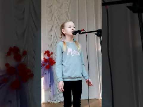 "Девочка поет ,как Вика Старикова ""три желания"""