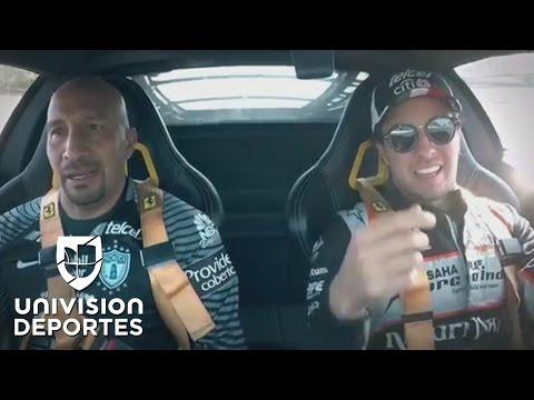 Las divertidas reacciones del 'Conejo' Pérez cuando 'Checo' Pérez lo llevó a 250 km/h