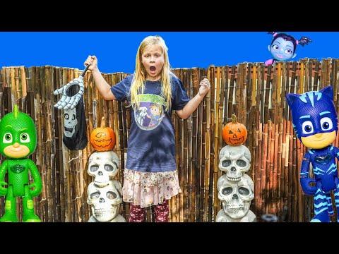 ASSISTANT Surprise Pumpkin Hunt with PJ Masks and Vampirina  Toys