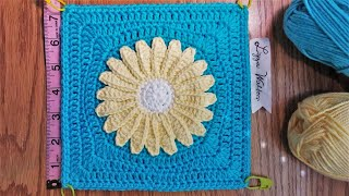 Crochet Daisy Flower In The Solid Square | Easy Pattern | Idea for bed & throw pillow cover