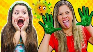 Heloísa e Mamãe em como lavar as mãos para matar os germes