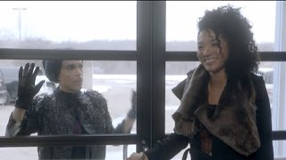 singer reveals what happened inside private plane where prince collapsed