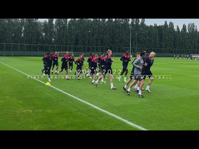 Eerste training van Royal Antwerp Football Club 2021-2021