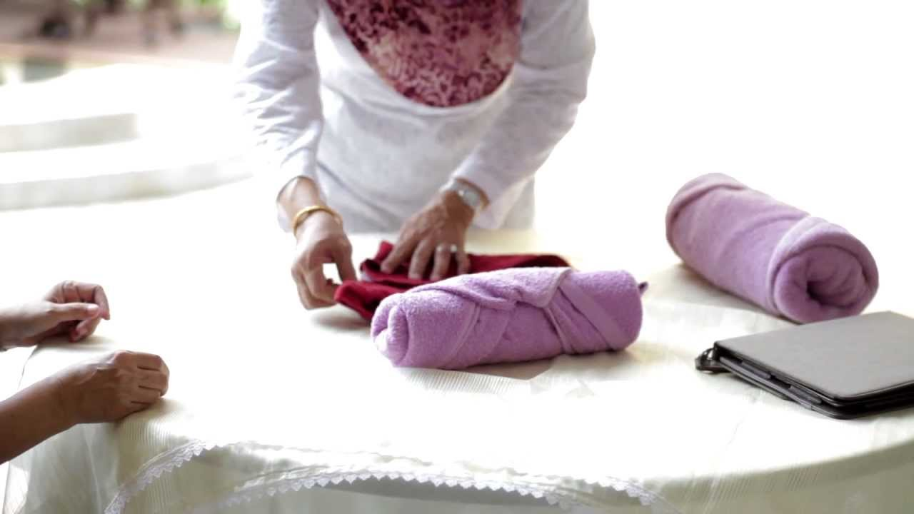 How to fold towels for easy storage. - YouTube