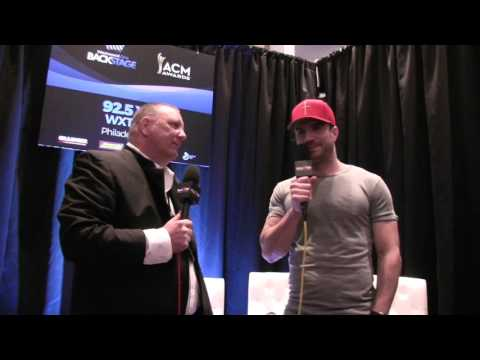 Sam Hunt With Razz At The ACM Awards 2