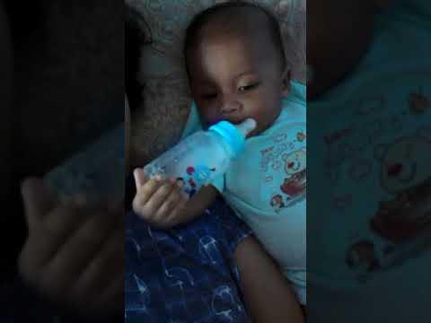 Coba pegang botol susu 🤣 thumbnail