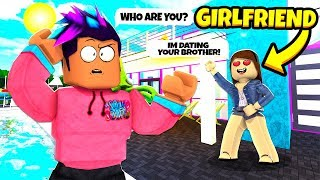 I Met My Brother es NEW GIRLFRIEND.. Sie war heimlich ein GOLD DIGGER! (Roblox Bloxburg)
