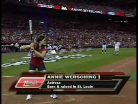 Annie Wersching 2009 AllStar Legends and Celebrity Softball Game