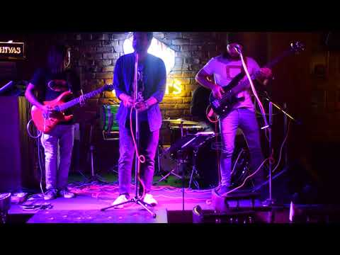 Black Hawks Live Performing tum he ho rock version at peddlers amritsar