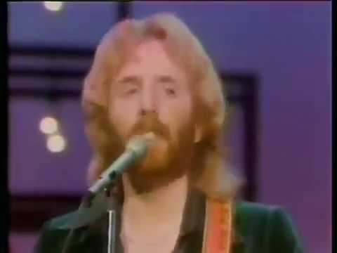 Andrew Gold on American Bandstand 1977 -  Go Back Home Again