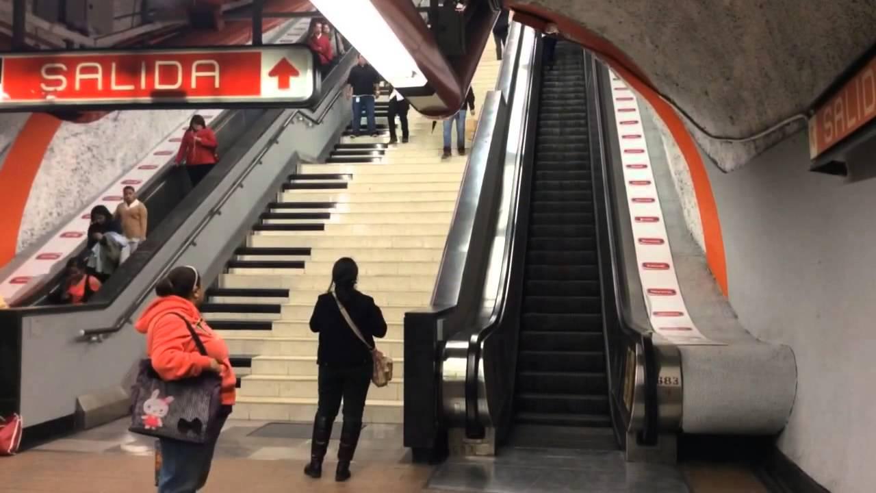Escaleras musicales del metro polanco youtube for Escalera de 5 metros
