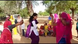 New girl  dance rajasthani marwari  deshi fany dance suvtiyo songs 2017