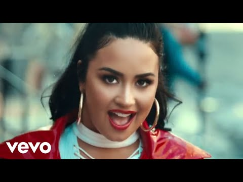 Смотреть клип Demi Lovato - I Love Me