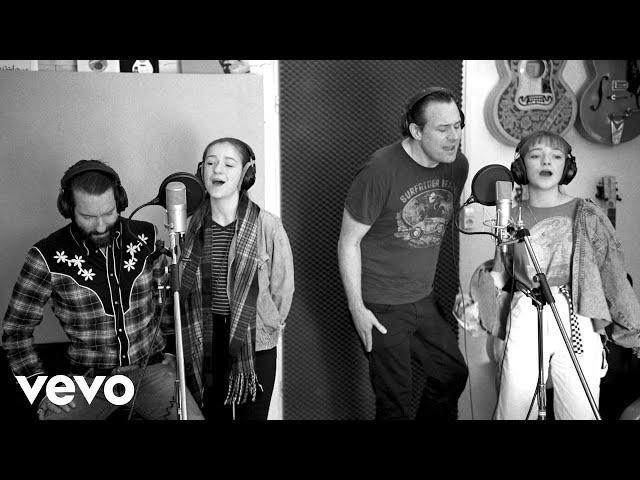 The BossHoss - Little Help ft. Mimi & Josy