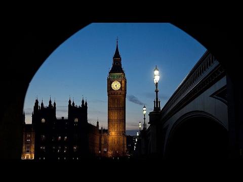 """Didžiosios Britanijos parlamentas pritarė """"Brexit"""" įstatymui"""