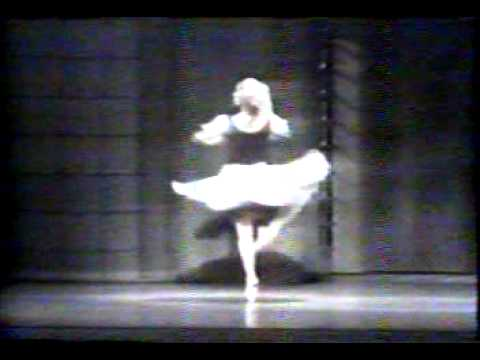 Evelyn Cisneros en Cenicienta Variacion 1 acto San Francisco Ballet