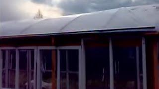 Теплица - часть 2.  Крыша и почва.(Крепление трёх слоёв полиэтиленовой плёнки на крыше теплицы для сохранения тепла! Установка силовых элеме..., 2014-04-22T17:35:37.000Z)