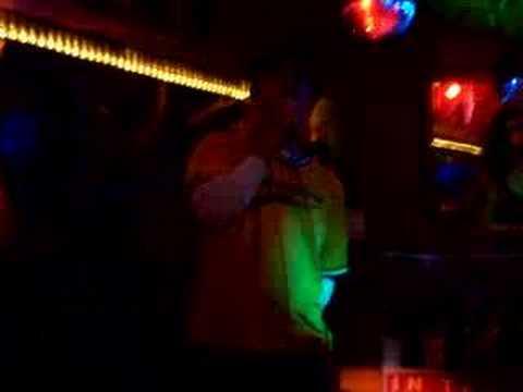 UW MBA Pub Club Karaoke