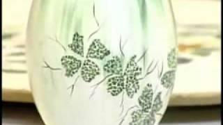 Aprenda a decorar uma cerâmica com casca de ovos