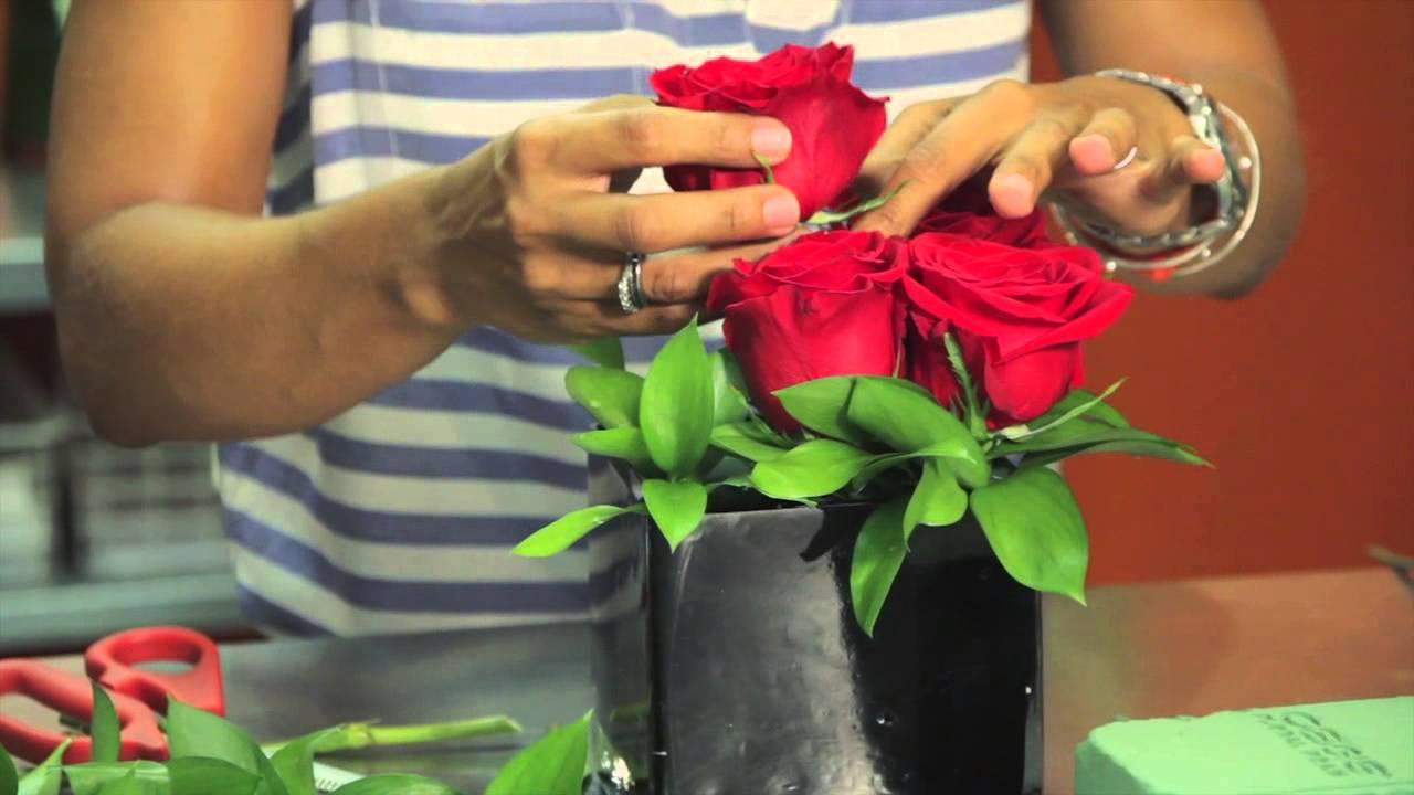 Red & Black Centerpieces : Wedding Flowers & Centerpieces - YouTube