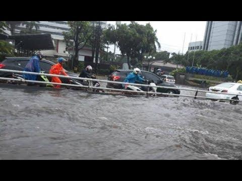 Banjir Kepung Jakarta Senin Sore, Rasuna Said Paling Parah