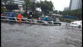 Video Banjir Kepung Jakarta Senin Sore, Rasuna Said Paling Parah download MP3, 3GP, MP4, WEBM, AVI, FLV Desember 2017