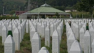 Dutch peacekeepers 'acted illegally' over Srebrenica massacre thumbnail
