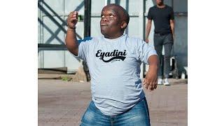Watch!! Short man dance moves 🔥🔥 Umlazi Durban eyadini life style. best dancer ever!! 😂