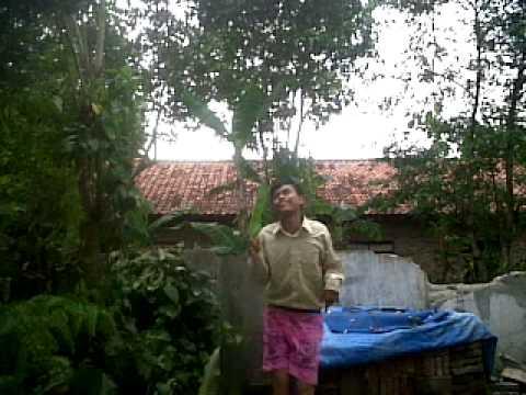 indonesia asli lucu ngakak..... video lucu husni njaluk pegat