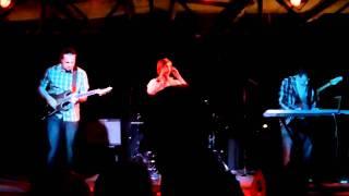 Tamila & Bloggy's Family - Otpusti - Live in AVANT Club